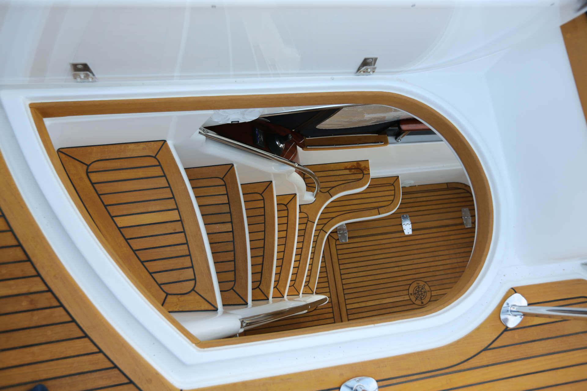 Hoveling Golden Teak Princess Yachts Sweden Denmark Norway